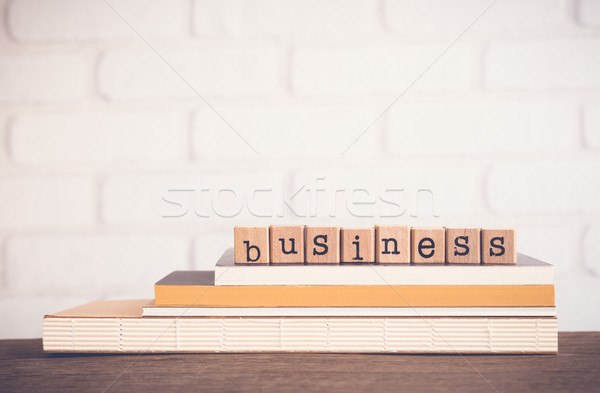 Mot affaires espace de copie alphabet bois caoutchouc Photo stock © vinnstock