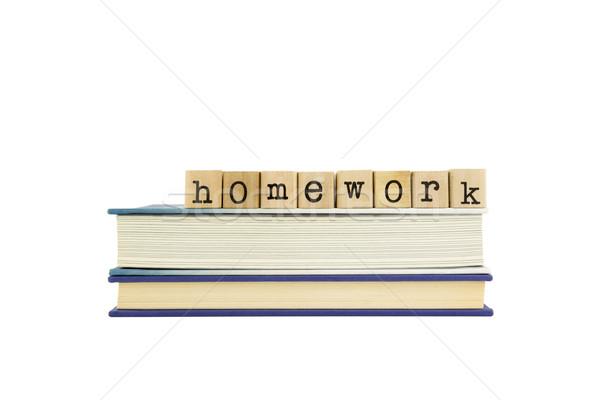 Huiswerk woord hout postzegels boeken Stockfoto © vinnstock