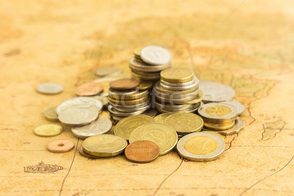 куча деньги Золотые монеты старые Мир карта Сток-фото © vinnstock