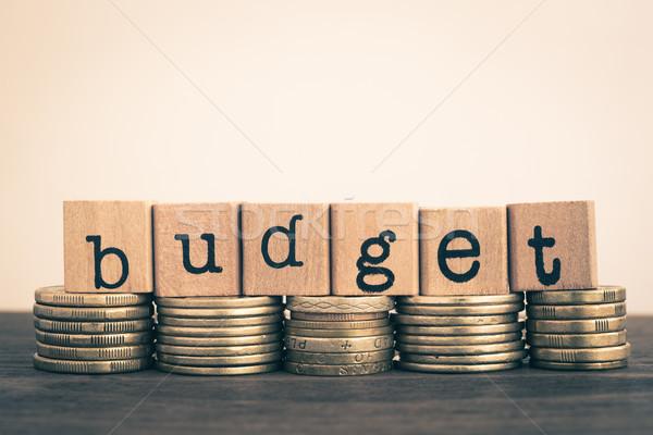 слово бюджет валюта Золотые монеты текста Сток-фото © vinnstock