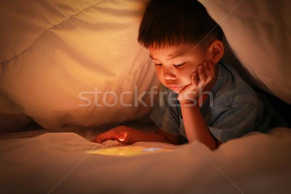 Asian chłopca tabletka Internetu nauki mały Zdjęcia stock © vinnstock