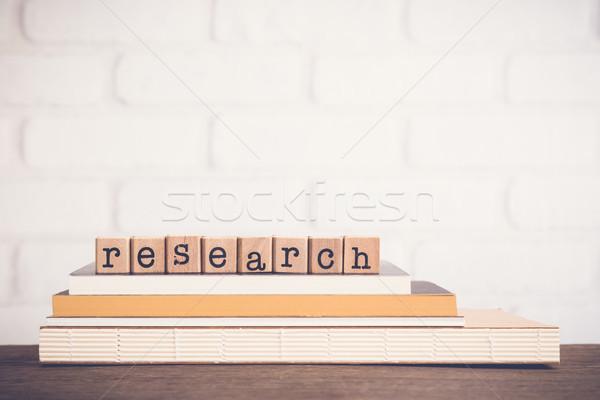 Mot recherche alphabet bois cubes Photo stock © vinnstock