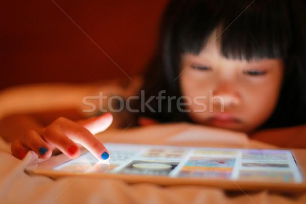 Kid vinger tip touch digitale tablet Stockfoto © vinnstock