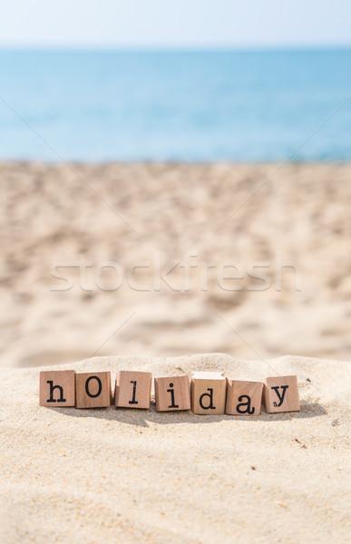 Fêtes mot ensoleillée vacances à la plage bois caoutchouc Photo stock © vinnstock