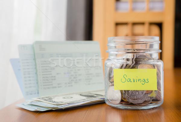 Költségvetést készít megtakarított pénz pénz tervez sok világ Stock fotó © vinnstock