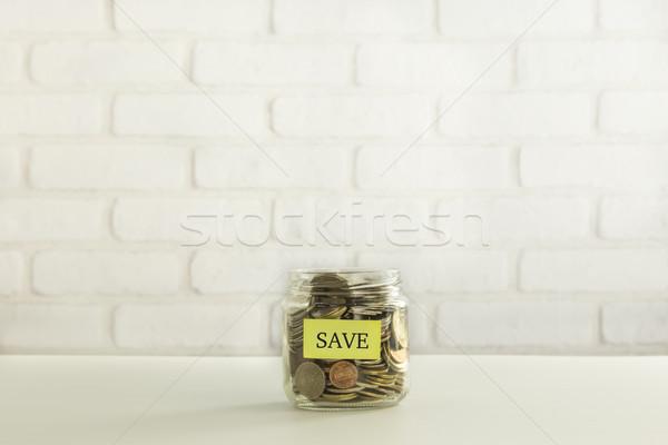 Banque dépôt jaune mettre tag Photo stock © vinnstock