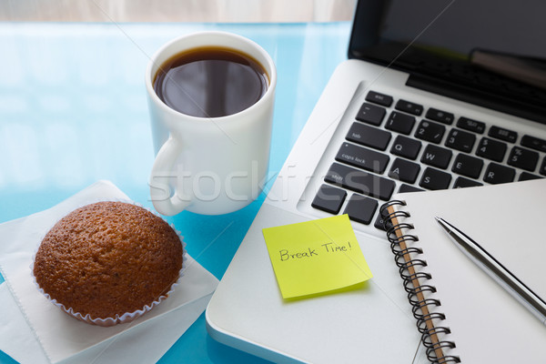 Pause café papier note pause temps un message Photo stock © vinnstock
