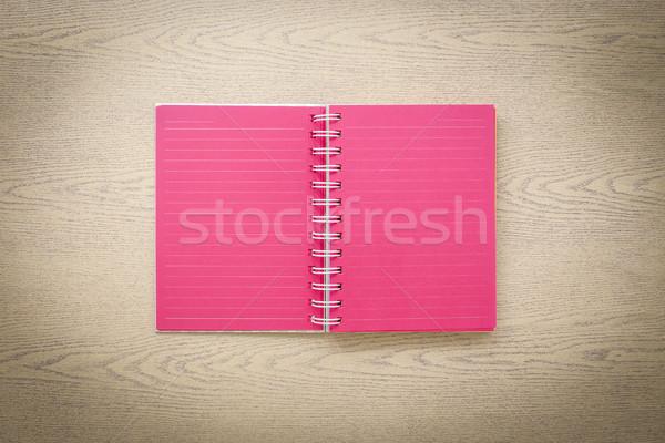 Retro rojo libro abierto superior vista enfoque Foto stock © vinnstock
