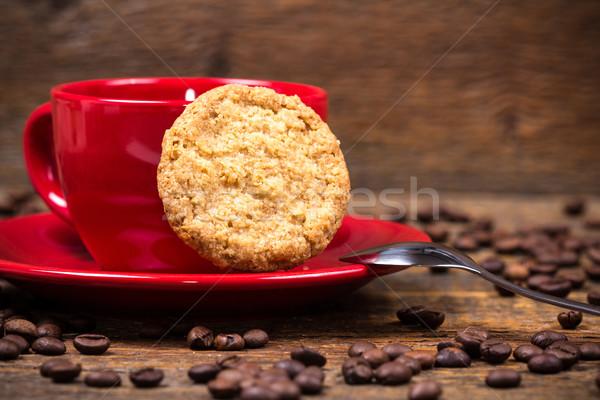 Kávéscsésze keksz sötét fa asztal étel kávé Stock fotó © viperfzk