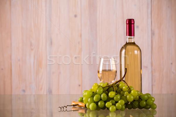 ストックフォト: ボトル · 白ワイン · ブドウ · ガラス · コークスクリュー · 食品
