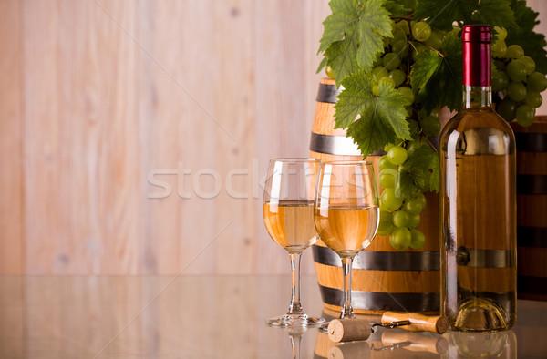 Szemüveg borosüveg hordó szőlő levelek étel Stock fotó © viperfzk