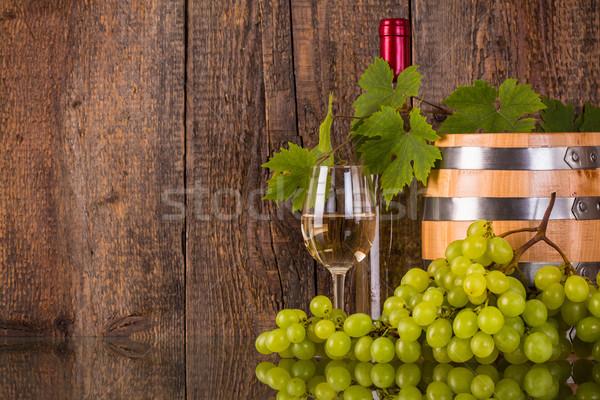 Szkła wina baryłkę biały butelki ukryty Zdjęcia stock © viperfzk