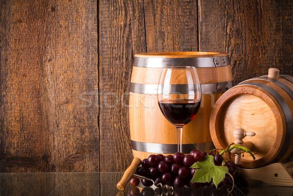 üveg vörösbor szőlő fából készült étel bor Stock fotó © viperfzk