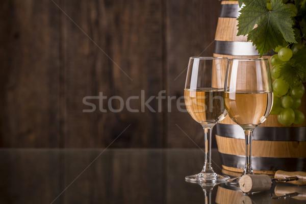очки вино баррель виноград темно продовольствие Сток-фото © viperfzk