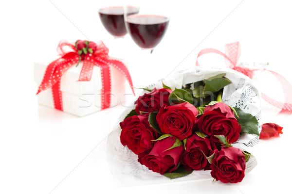 Rozen geschenk geïsoleerd witte bloem papier Stockfoto © Vitalina_Rybakova