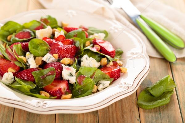 Spenót saláta friss földimogyoró márványsajt tavasz Stock fotó © Vitalina_Rybakova