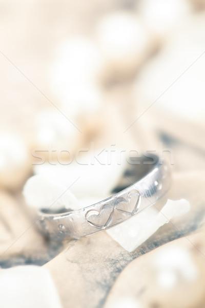 Zilver ring bloem bloemblaadjes gegraveerd harten Stockfoto © Vitalina_Rybakova