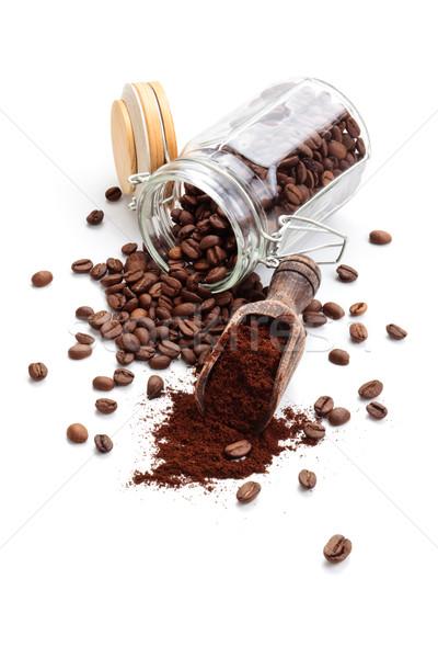 Kahve kahve çekirdekleri zemin yalıtılmış beyaz arka plan Stok fotoğraf © Vitalina_Rybakova