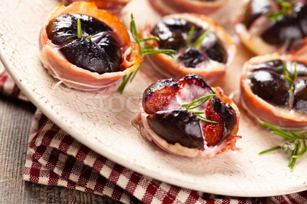 Gebakken kaas rosmarijn achtergrond vlees najaar Stockfoto © Vitalina_Rybakova