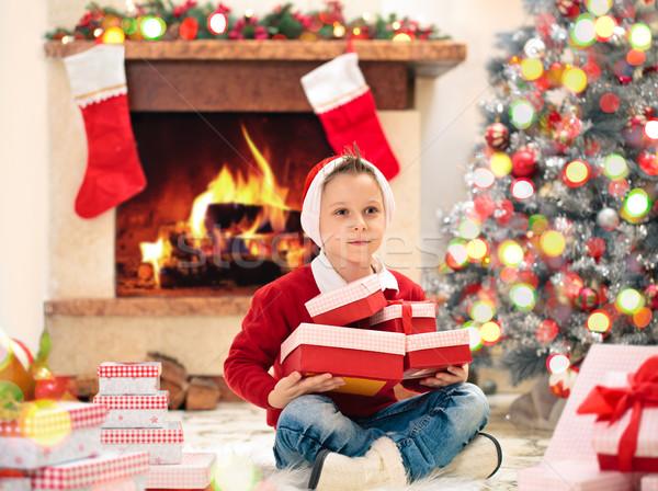 Presenteert christmas geschenken haard Stockfoto © Vitalina_Rybakova