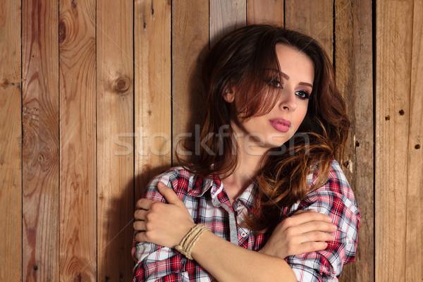 Csinos vidéki lány portré fából készült fal arc Stock fotó © Vitalina_Rybakova