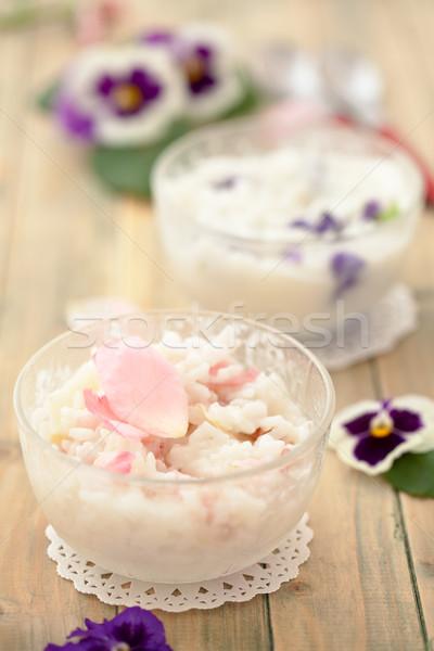 Rizottó ehető virágok előkészített ibolya rózsaszín rózsa Stock fotó © Vitalina_Rybakova