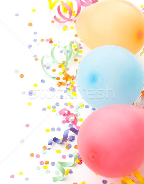 Stockfoto: Verjaardag · arrangement · ballonnen · confetti · geïsoleerd · witte