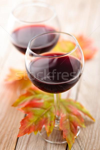 şarap sonbahar yaprakları rustik ahşap masa cam Stok fotoğraf © Vitalina_Rybakova