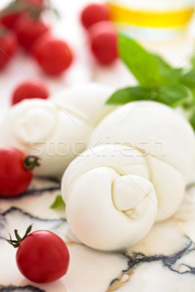 Vers mozzarella kerstomaatjes basilicum marmer tabel Stockfoto © Vitalina_Rybakova