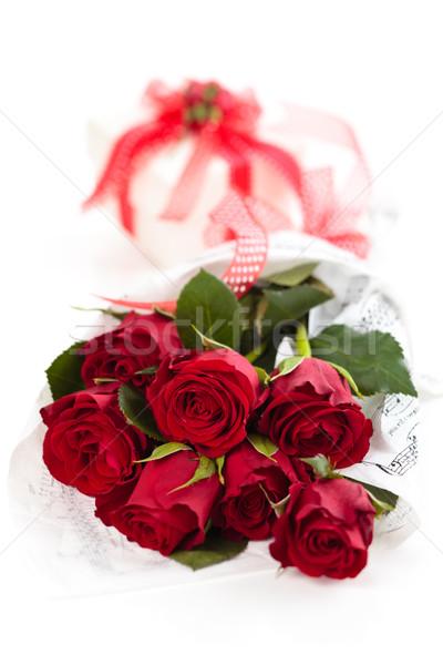 Rode rozen geschenk boeket geïsoleerd witte bloem Stockfoto © Vitalina_Rybakova
