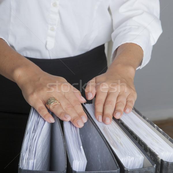 Eller Dosyaları kadın belgeler ofis çevre Stok fotoğraf © vizualni