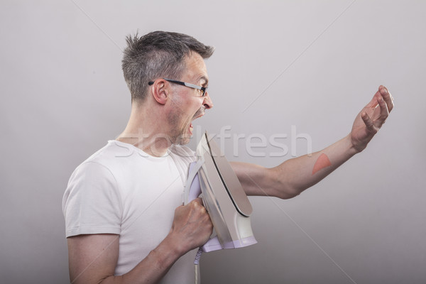Adam kol demir çığlık atan cilt doğru Stok fotoğraf © vizualni