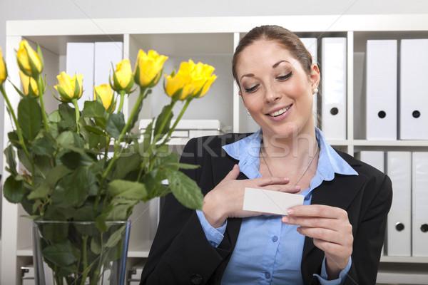 Sarı güller işkadını buket ofis Stok fotoğraf © vizualni