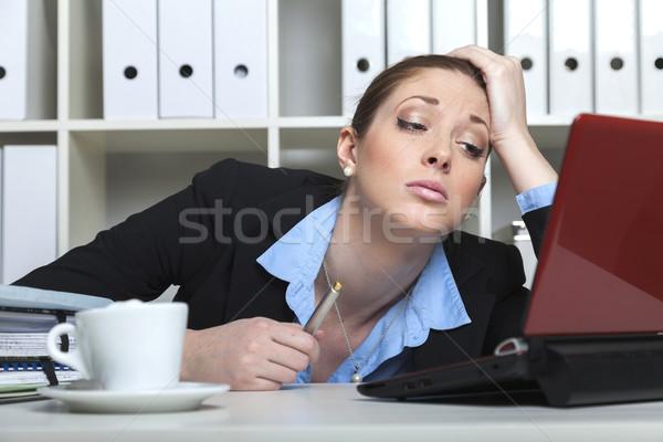 Yorgun büro dizüstü bilgisayar mutlu Stok fotoğraf © vizualni