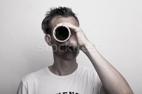 Adam karton tüp göz beyaz Stok fotoğraf © vizualni
