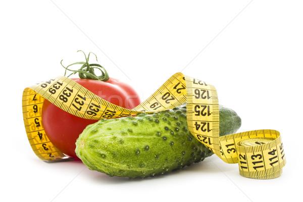 Sağlıklı gıda domates salatalık bant yalıtılmış beyaz Stok fotoğraf © vkraskouski