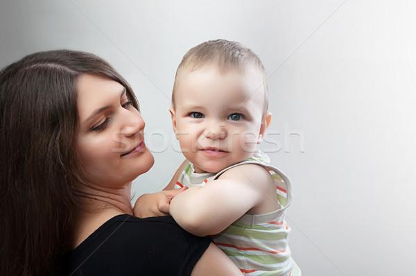 Mãe criança branco retrato feliz jovem Foto stock © vkraskouski