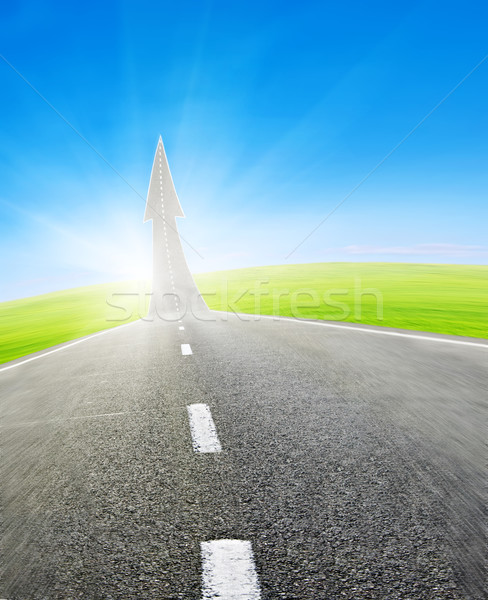 Rodovia estrada para cima seta verde campo Foto stock © vkraskouski