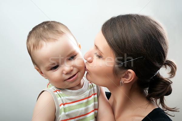 матери ребенка белый серый портрет счастливым Сток-фото © vkraskouski