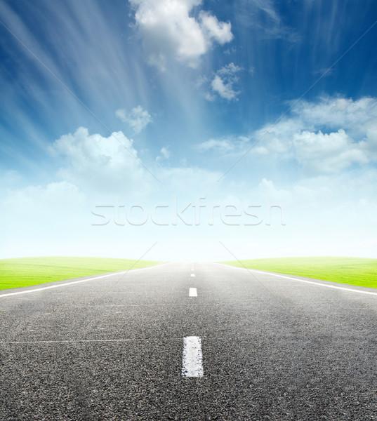 Zöld mező út felhős égbolt kék Stock fotó © vkraskouski