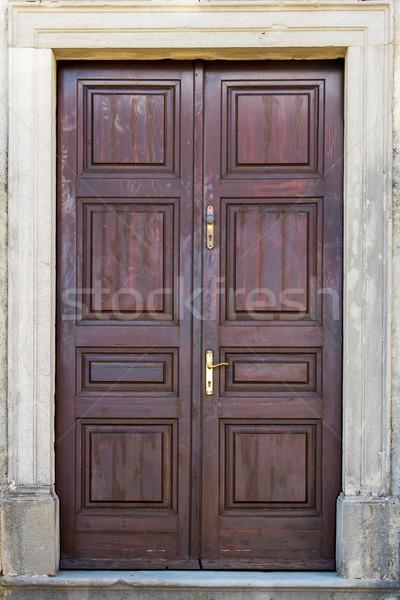 フロントドア ブラウン ダブル 翼 木材 家 ストックフォト © vlaru