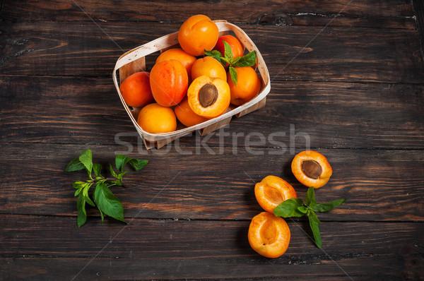 バスケット 暗い 木材 フルーツ 夏 オレンジ ストックフォト © voloshin311