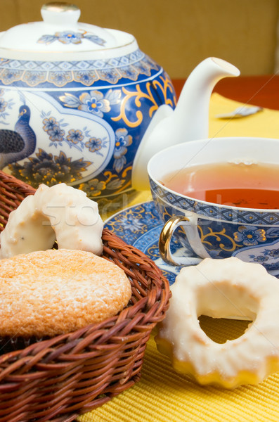 Thee cake ochtend gebak biscuits tabel Stockfoto © vrvalerian