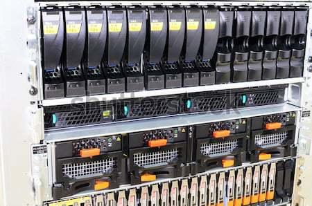 Rack rack de serveur serveur vue isolé Photo stock © vtls