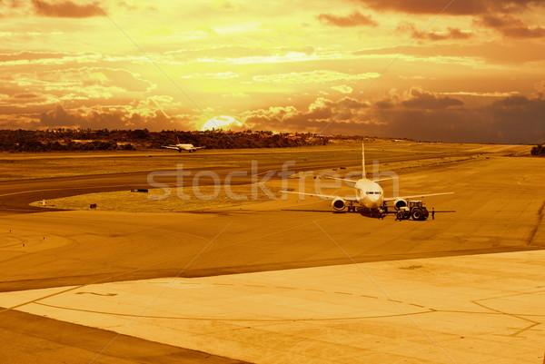 Aéroport piste avions atterrissage Photo stock © vtupinamba
