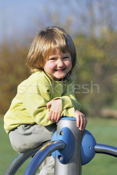 Foto d'archivio: Bambino · sorriso · giovani · giocare · colorato · parco · giochi
