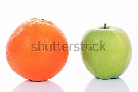 リンゴ オレンジ 孤立した 白 群衆 チームワーク ストックフォト © vwalakte