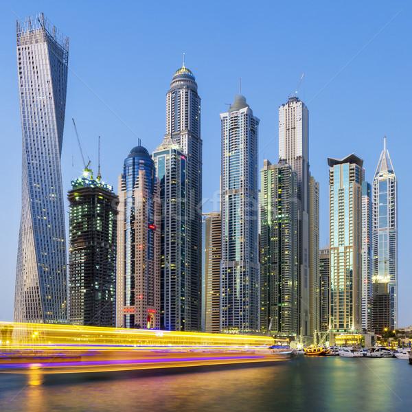 Dubai marina csónak fény üzlet iroda Stock fotó © vwalakte