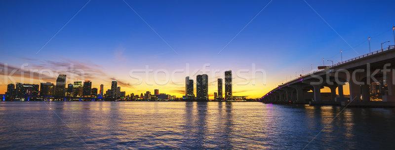 Miami városkép panoráma alkonyat városi felhőkarcolók Stock fotó © vwalakte