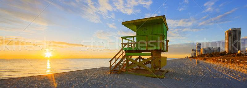 Miami dél tengerpart napfelkelte úszómester torony Stock fotó © vwalakte